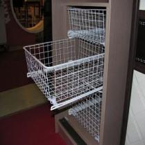 Выдвижные корзины для шкафов купе
