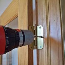 Когда устанавливать межкомнатные двери при ремонте?