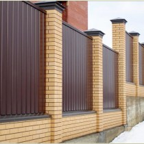 Строительство фундамента под забор с кирпичными столбами
