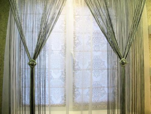 Декор нитяными шторами