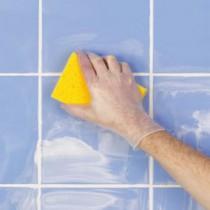 Затираем швы плитки в ванной своими руками