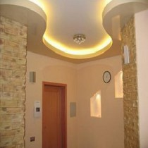 Проводим подсветку потолка светодиодной лентой