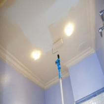 Красим потолок водоэмульсионной краской