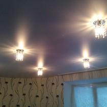 Техника монтажа светильников в натяжной потолок