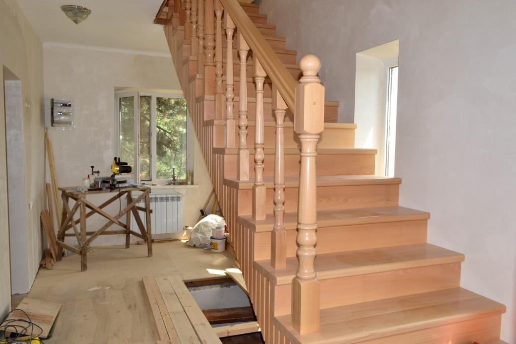 Деревянная лестница
