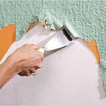 Снимаем виниловые обои со стен