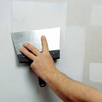 Работы по шпатлевке стен под обои
