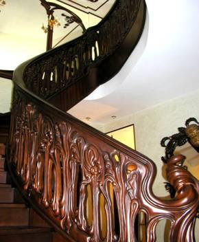Балясины из металла для лестниц – оригинальность