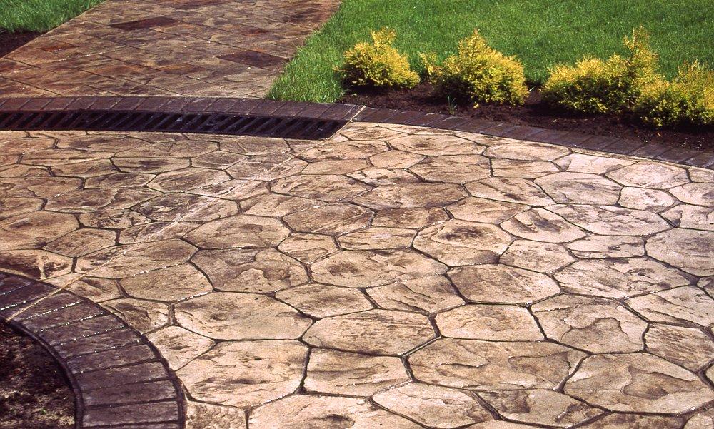 Дорожки из бетона своими руками под камень