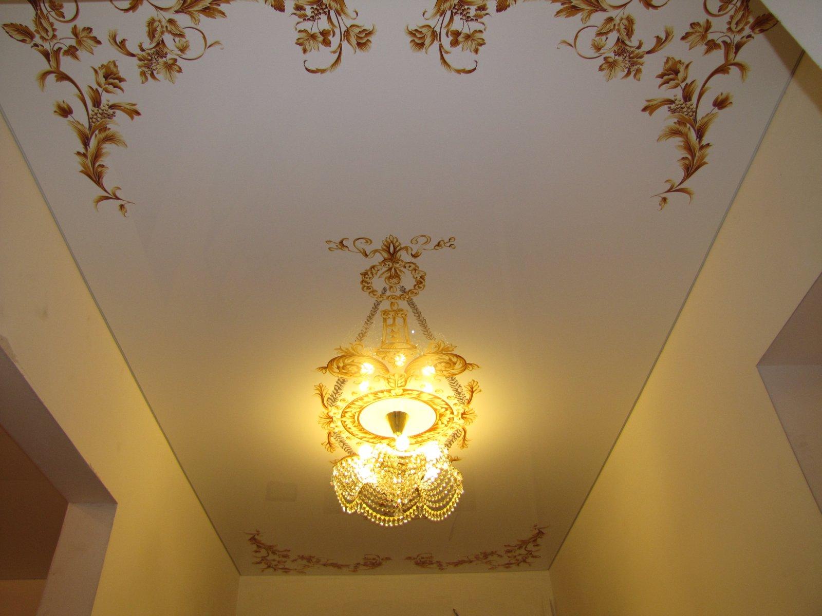 Какой потолок лучше сделать в коридоре фото 562