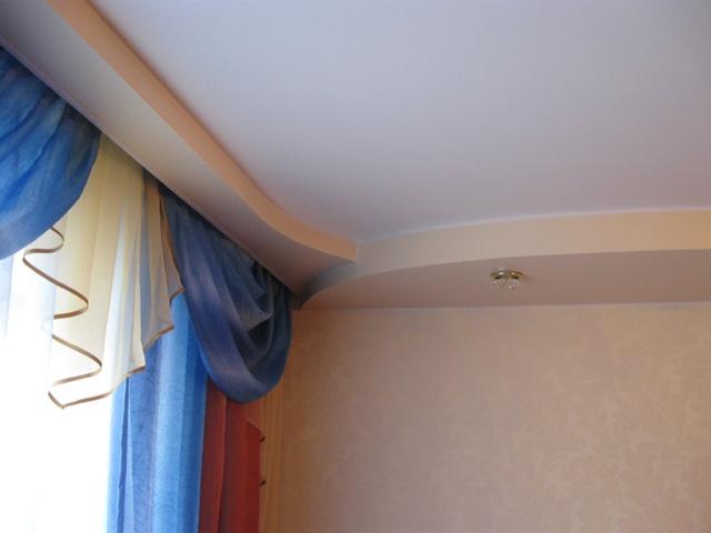 Как сделать на натяжном потолке потолочный карниз 139