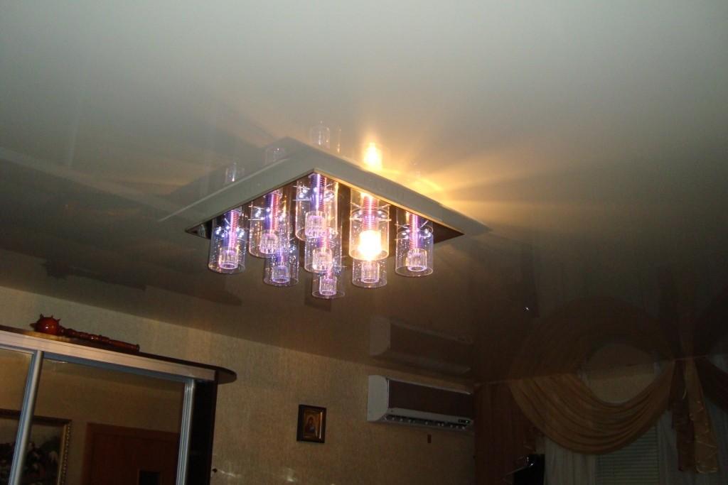 фото полистирол потолках в натяжных