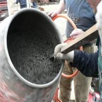 Замес бетона вручную и в бетономешалке