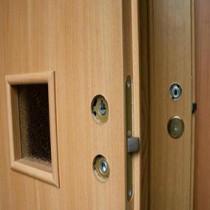 Межкомнатные двери с притвором