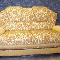 Этапы перетяжки дивана на дому своими руками