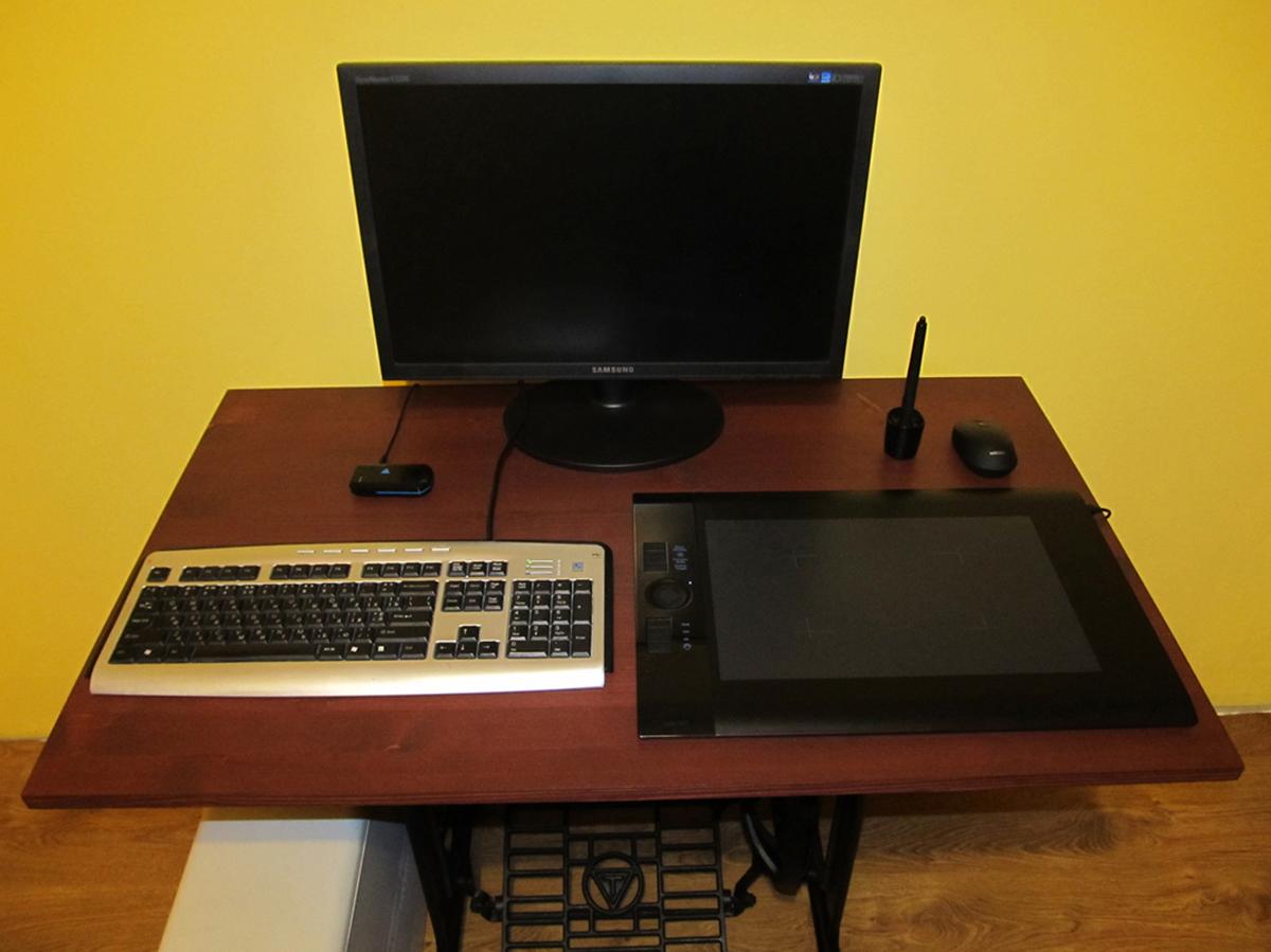 Столик для компьютера своимируками