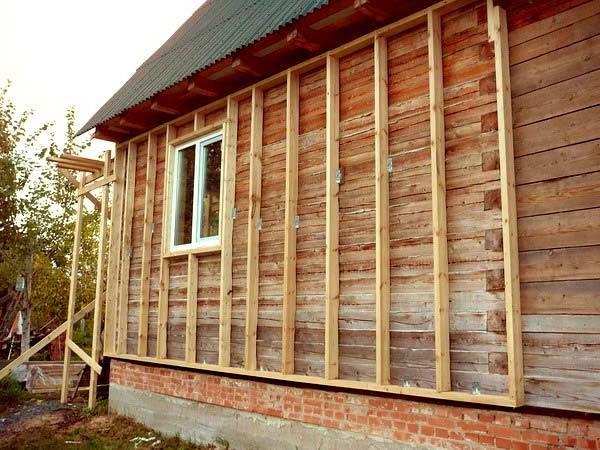 Как обшить деревянный дом сайдингом своими руками видео