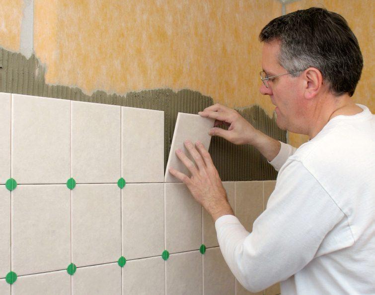 Кладка плитки на стены своими руками фото
