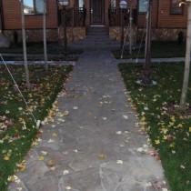 Заливаем садовую дорожку из бетона своими руками