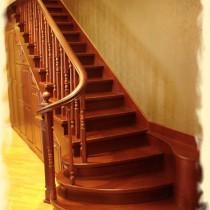 Делаем деревянную лестницу на второй этаж