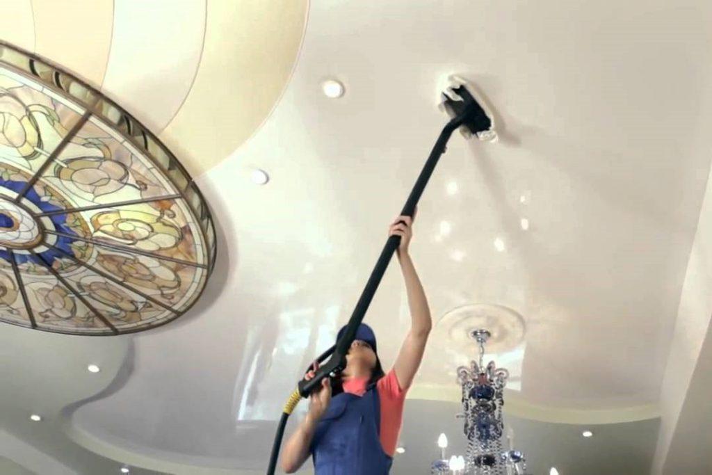 Как и чем мыть натяжные потолки - глянцевые, матовые и тканевые?