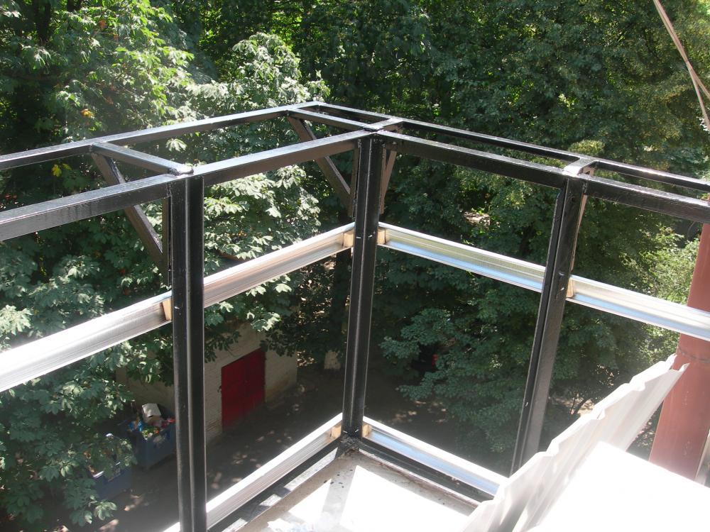 Внешняя обшивка балкона профнастилом своими руками видео..