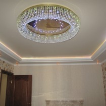 Сложно ли выбрать люстру для натяжного потолка?